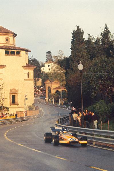 1971 Spanish Grand Prix.  Montjuich Park, Barcelona, Spain. 16-18th April 1971.  Peter Gethin, McLaren M14A Ford.  Ref: 71ESP81. World Copyright: LAT Photographic
