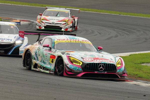 2017 Japanese Super GT Series. Fuji, Japan. 5th - 6th August 2017. Rd 5. GT300 2nd position Nobuteru Taniguchi & Tatsuya Kataoka ( #4 GOODSMILE HATSUNE MIKU AMG ) action World Copyright: Yasushi Ishihara / LAT Images. Ref: 2017JSGT_Rd5_013