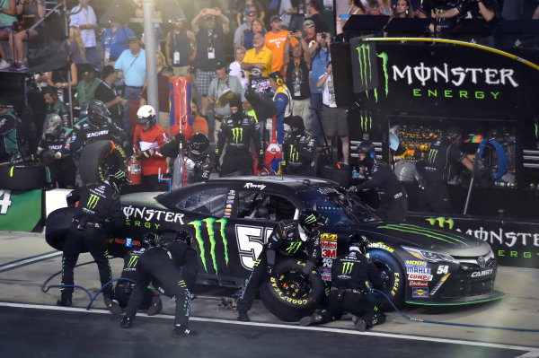 22 August, 2015, Bristol, Tennessee USA Kyle Busch, Monster Energy Toyota Camry pit stop ? 2015, Nigel Kinrade LAT Photo USA