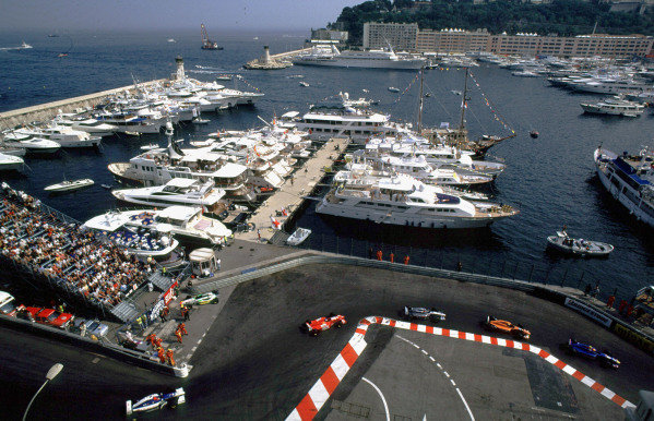 International F3000 MonacoMonte Carlo, Rd 5, 2nd - 3rd june 2000.The cars round the chicane on the first lap.World - Bellanca/ LAT PhotographicThree Thousand Monaco