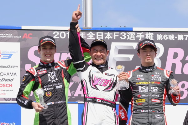 Round 8. Winner Yoshiaki Katayama, YTB by Carlin, Dallara F315 Volkswagen, Sacha Fenestraz, B-Max Racing with Motopark Dallara F314, 2nd, and Ritomo Miyata, Corolla Chukyo Kuo TOM'S Dallara F317 Toyota, 3rd. Photo by Masahide Kamio