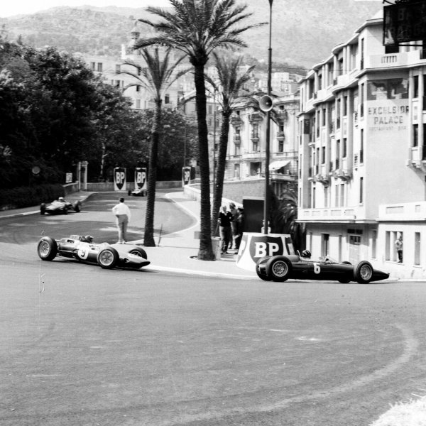 1963 Monaco Grand Prix.Monte Carlo, Monaco.23-26 May 1963.Graham Hill (BRM P57) leads Jim Clark (Lotus 25 Climax) in Station Hairpin. Hill finished in 1st position.Ref-19030.World Copyright - LAT Photographic