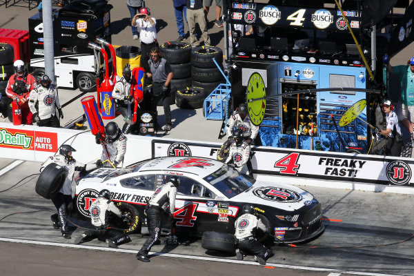 #4: Kevin Harvick, Stewart-Haas Racing, Ford Mustang Jimmy John's pit stop