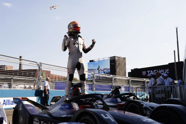 Robin Frijns (NLD), Envision Virgin Racing, Audi e-tron FE05, celebrates after winning the race