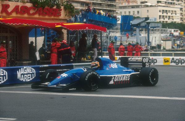 1991 Monaco Grand Prix.Monte Carlo, Monaco.26-28 April 1991.Thierry Boutsen (Ligier JS35 Lamborghini) 7th position at Rascasse.Ref-91 MON 34.World Copyright - LAT Photographic