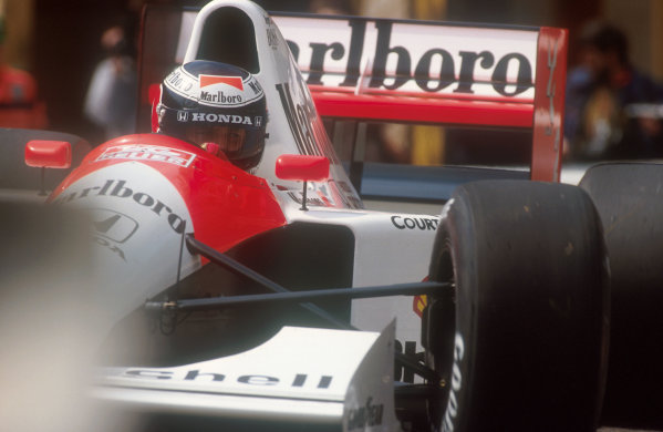 1991 Monaco Grand Prix.Monte Carlo, Monaco.26-28 April 1991.Gerhard Berger (McLaren MP4/6 Honda). After pitting at the start for a new nose, he exited the race when oil on his visor caused him to lose concentration and crash at the Swimming Pool. Ref-91 MON 27.World Copyright - LAT Photographic