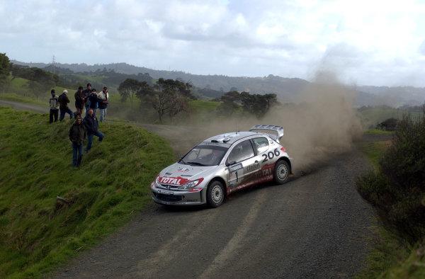 2002 World Rally Championship.Propecia Rally of New Zealand, Auckland, October 3rd-6th.Richard Burns during shakedownPhoto: Ralph Hardwick/LAT