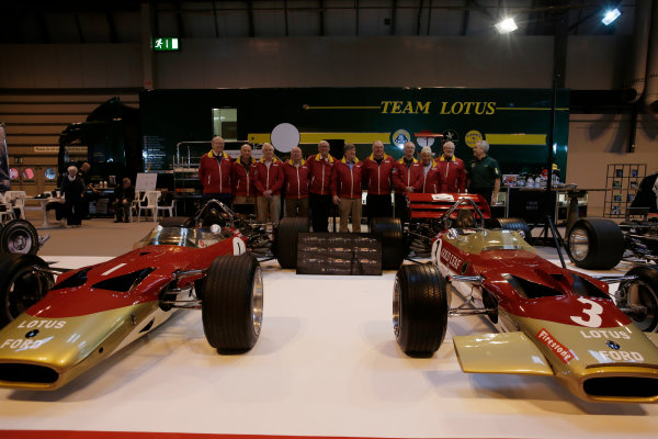 Autosport International Exhibition. National Exhibition Centre, Birmingham, UK. Thursday 12 January 2017. Former Team Lotus staff, including Herbie Blash and Clive Chapman, gather behind the Lotus 49 display. World Copyright: Joe Portlock/LAT Photographic. Ref: _14P1830
