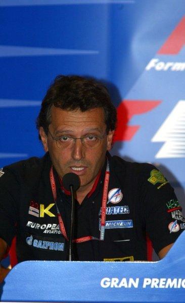 Gabriele Tradozi (ITA) Minardi Technial Director at the Press Conference.Italian Grand Prix, Monza, 13 September 2002.DIGITAL IMAGE