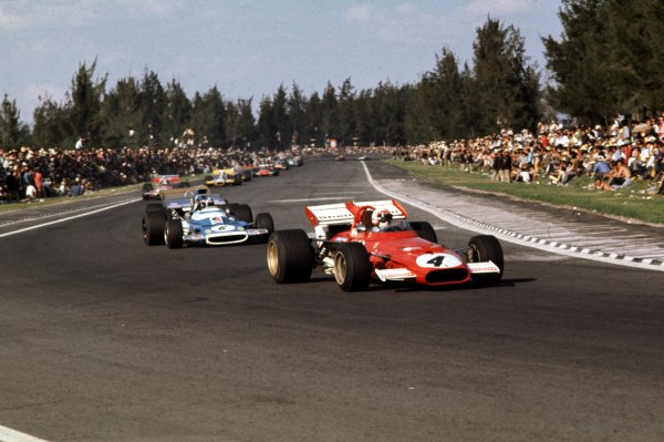 1970 Mexican Grand Prix.Mexico City, Mexico.23-25 October 1970.Clay Regazzoni (Ferrari 312B) leads Jean-Pierre Beltoise (Matra-Simca MS120). They finished in 2nd and 5th positions respectively.Ref-70 MEX 88.World Copyright - LAT Photographic