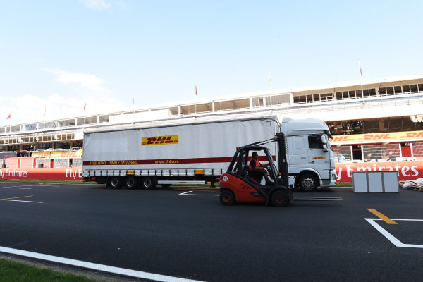 DHL deliver freight