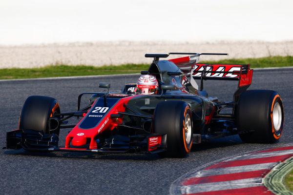 Circuit de Barcelona Catalunya, Barcelona, Spain. Monday 27 February 2017. Kevin Magnussen, Haas VF-17 Ferrari.  World Copyright: Zak Mauger/LAT Images ref: Digital Image _L0U9726