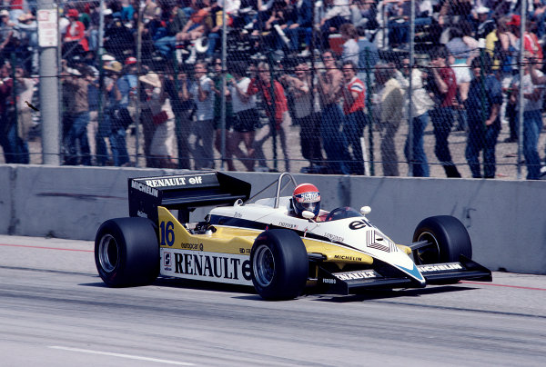 1983 United States Grand Prix West.Long Beach, California, USA.25-27 March 1983.Eddie Cheever (Renault RE30C) 13th position.Ref-83 LB 42.World Copyright - LAT Photographic