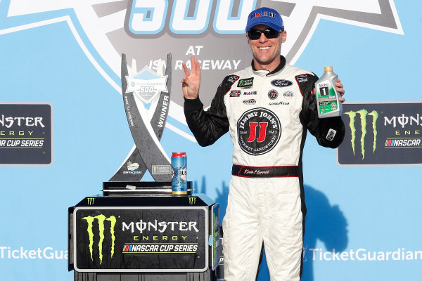 Monster Energy NASCAR Cup Series TicketGuardian 500 ISM Raceway, Phoenix, AZ USA Sunday 11 March 2018 Kevin Harvick, Stewart-Haas Racing, Ford Fusion Jimmy John's celebrates in victory lane World Copyright: Russell LaBounty NKP / LAT Images