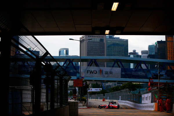 Suzuka Circuit, Japan. Sunday 09 October 2016. Felix Rosenqvist (19, Mahindra Racing) World Copyright: Zak Mauger/LAT Photographic ref: Digital Image _X0W1787