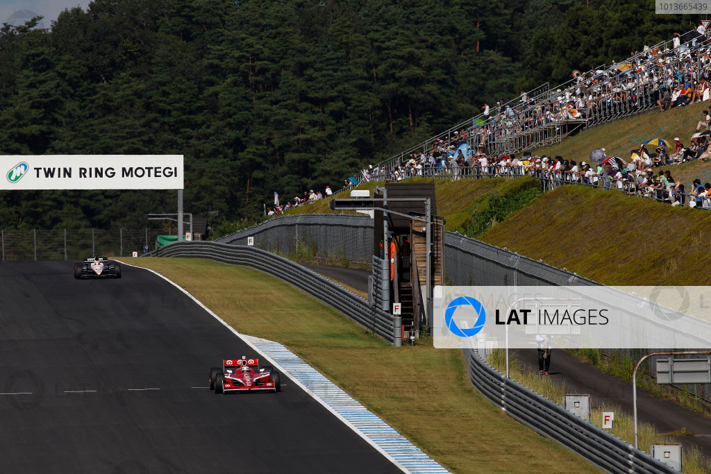 16-19 September, 2011, Twin Ring Motegi, JapanScott Dixon and Will Power and fans(c)2011, Michael L. LevittLAT Photo USA