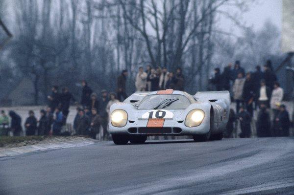 Brands Hatch, England. 12th April 1970. Pedro Rodriguez/Leo Kinnunen (Porsche 917K) 1st position, action. World Copyright: LAT Photographic