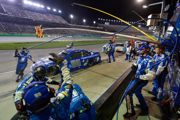 7-9 July, 2016, Sparta, Kentucky USA Dale Earnhardt Jr makes a pit stop, Sunoco ?2016, Logan Whitton  LAT Photo USA