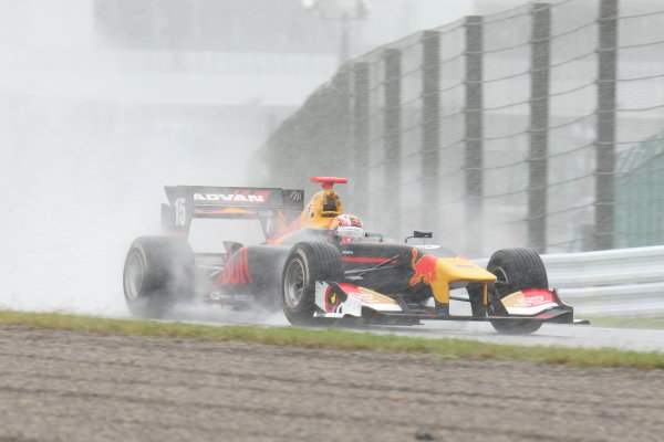 2017 Japanese Super Formula. Suzuka, Japan. 21st - 22nd October 2017. Rd 7. Cancelled race due to Typhoon. 2017 Driver?s 2nd position & Rookie of the Year Pierre Gasly ( #15 TEAM MUGEN SF14 ) action World Copyright: Yasushi Ishihara / LAT Images. Ref: 2017_SF_Rd7_007