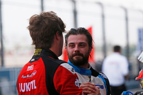 2015 TCR International Series Round 9. Marina Bay Circuit, Singapore. Sunday 20 September 2015. Pepe Oriola, No.74 Team Craft-Bamboo LUKOIL, and Stefano Comini, No.25 Target Competition, congratulate each other on a good race. World Copyright: Sam Bloxham/LAT Photographic. ref: Digital Image _SBL8842