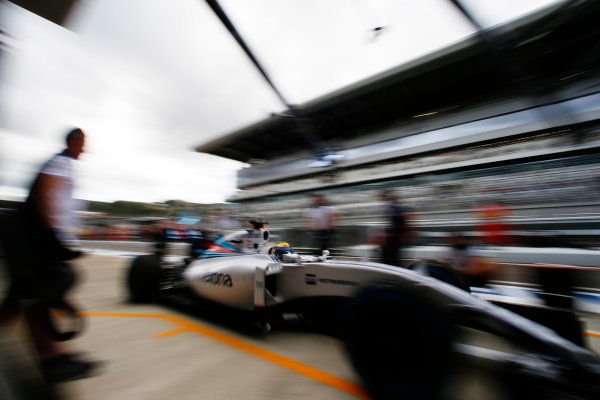 Sochi Autodrom, Sochi, Russia. Friday 09 October 2015. Felipe Massa, Williams FW37 Mercedes. World Copyright: Glenn Dunbar/LAT Photographic. ref: Digital Image _W2Q9497