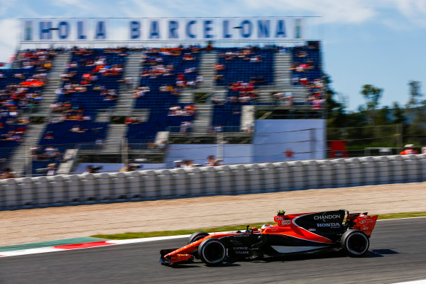 Circuit de Catalunya, Barcelona, Spain. Saturday 13 May 2017. Stoffel Vandoorne, McLaren MCL32 Honda.  World Copyright: Andy Hone/LAT Images ref: Digital Image _ONZ4907