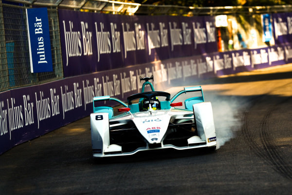 Tom Dillmann (FRA), NIO Formula E Team, NIO Sport 004, locks up