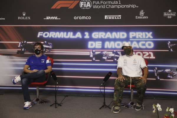 Fernando Alonso, Alpine F1, and Sir Lewis Hamilton, Mercedes, in the Press Conference