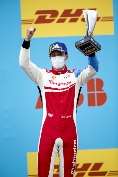 Alex Lynn (GBR), Mahindra Racing, 2nd position, with his trophy