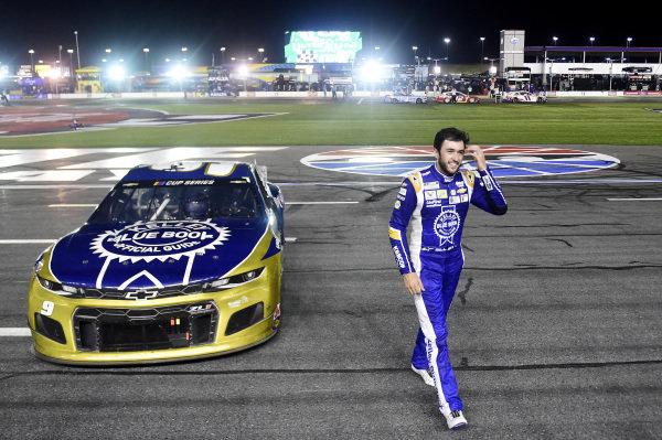 Race winner Chase Elliott, Hendrick Motorsports Chevrolet Kelley Blue Book Copyright: Jared C. Tilton/Getty Images