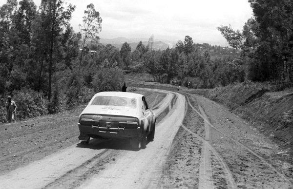 Frank Tundo / Anton Levitan, Datsun Violet 710.