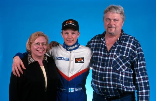 Kimi Raikkonen (FIN) with his mother and father Paula and Matti Raikkonen prior to his debut in single seater racing cars.  Formula Renault Sport Championship, 16 April 1999.