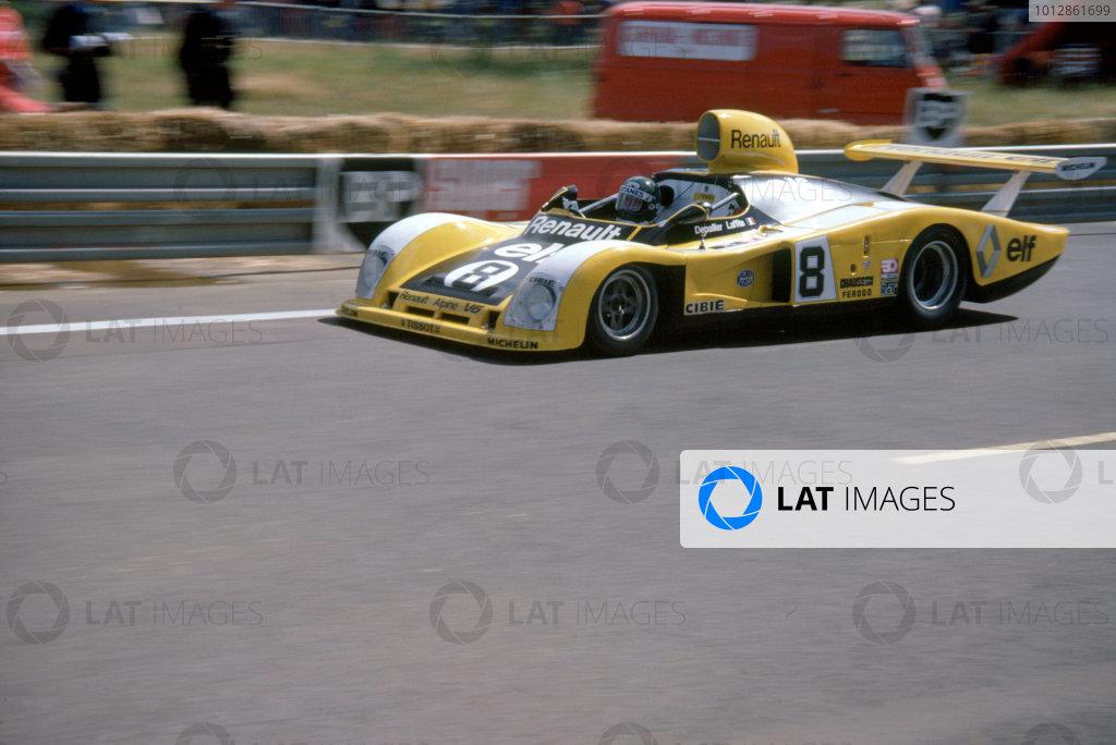 1977 Le Mans 24 Hours Le Mans, France. 11th - 12th June. Jacques Laffite/Patrick Depailler (Renault Alpine A442), retired, action.  World Copyright: Murenbeeld/LAT Photographic ref: 35mm Transparency Image