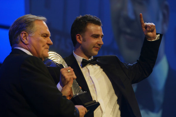 2004 Autosport AwardsGrosvenor House, London, England. 5th December.Patrick Head presents James Pickford with Club Driver of the Year.World Copyright: LAT Photographicref: Digital Image Only