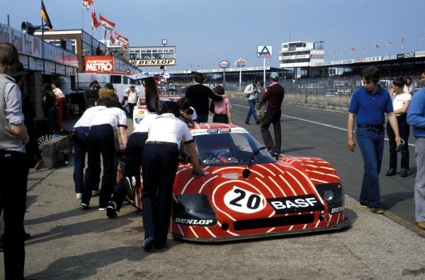 Hans Heyer (GER) / Hans-Joachim Stuck (GER) Sauber SHS C6 Ford in the pits after retiring with ignition problems.