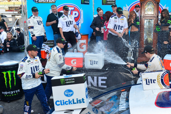 2017 Monster Energy NASCAR Cup Series STP 500 Martinsville Speedway, Martinsville, VA USA Sunday 2 April 2017 Brad Keselowski and team celebrate in victory lane World Copyright: Logan Whitton/LAT Images ref: Digital Image 17MART1LW2774