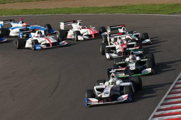 2016 Japanese Super Formula. Sugo, Japan. 24th - 25th September 2016. Rd 6. Start of the race action World Copyright : Yasushi Ishihara/LAT Photographic Ref : 2016SF_Rd6_SUGO_001