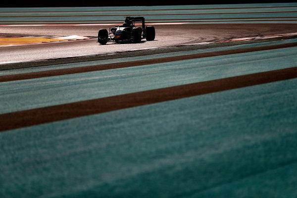 Yas Marina Circuit, Abu Dhabi, United Arab Emirates. Saturday 26 November 2016. Carlos Sainz Jr, Toro Rosso STR11 Ferrari. World Copyright: Glenn Dunbar/LAT Photographic ref: Digital Image _31I7241