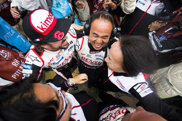 Fernando Alonso, Toyota Gazoo Racing, celebrates winning with his team