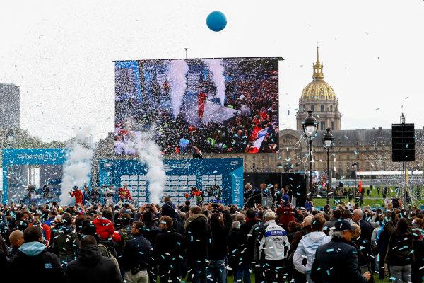 2015/2016 FIA Formula E Championship. Paris ePrix, Paris, France. Saturday 23 April 2016. Jean-Eric Vergne (FRA), DS Virgin Racing DSV-01, Lucas Di Grassi (BRA), ABT Audi Sport FE01 and Sebastien Buemi (SUI), Renault e.Dams Z.E.15. Photo: Steven Tee/LAT/Formula E ref: Digital Image _H7I9859