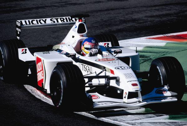 2001 Italian Grand Prix.Monza, Italy. 14-16 September 2001.Jacques Villeneuve (B.A R. 003 Honda).Ref-01 ITA 26.World Copyright - Lorenzo Bellanca/LAT Photographic