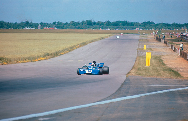 1971 British Grand Prix.Silverstone, England.15-17 July 1971.Jackie Stewart (Tyrrell 003 Ford) 1st position at Stowe.Ref-71 GB 06.World Copyright - LAT Photographic