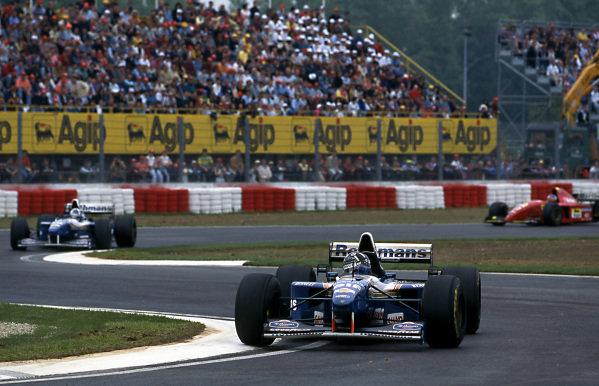 Damon Hill (GBR) Williams FW17 leads team mate David Coulthard (GBR) Williams FW17 at Formula One World Championship, Rd3, San Marino Grand Prix, Imola, Italy, 30 April 1995.