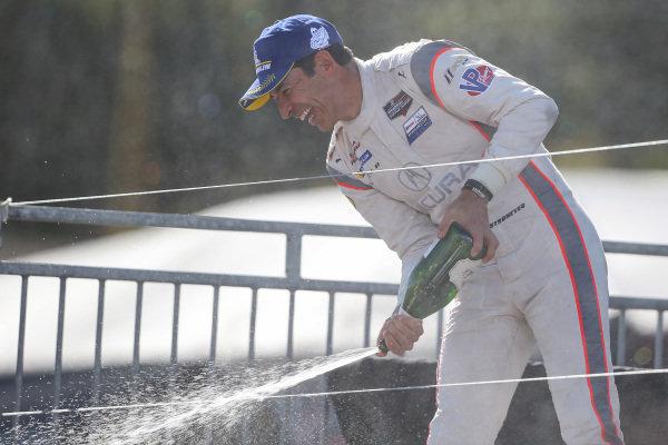 #7 Acura Team Penske Acura DPi, DPi: Helio Castroneves, Champagne