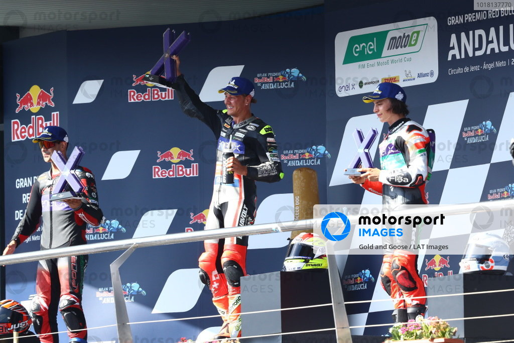 Podium: race winner Dominique Aegerter, Dynavolt Intact GP, second place Jordi Torres, Pons Racing 40, third place Mattia Casadei, Ongetta SIC58 Squadracorse.
