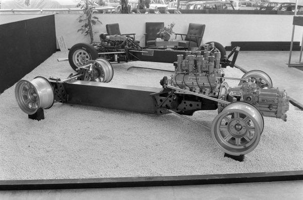 De Tomaso backbone chassis/Ford V8 engine