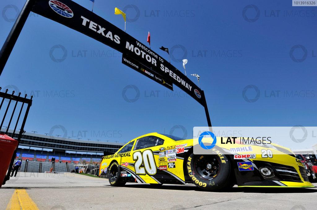 11-13 April, 2013, Fort Worth, Texas USA Matt Kenseth, Dollar General Toyota Camry ©2013, Nigel Kinrade LAT Photo USA