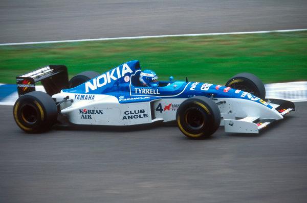 Silverstone, England.14-16 July 1995.Mika Salo (Tyrrell 023 Yamaha) 8th position.Ref-95 GB 34.World Copyright - LAT Photographic