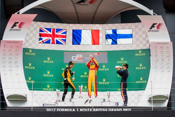 2017 GP3 Series Round 3.  Silverstone, Northamptonshire, UK. Sunday 16 July 2017. Jack Aitken (GBR, ART Grand Prix), Giuliano Alesi (FRA, Trident), Niko Kari (FIN, Arden International).  Photo: Zak Mauger/GP3 Series Media Service. ref: Digital Image _56I0281
