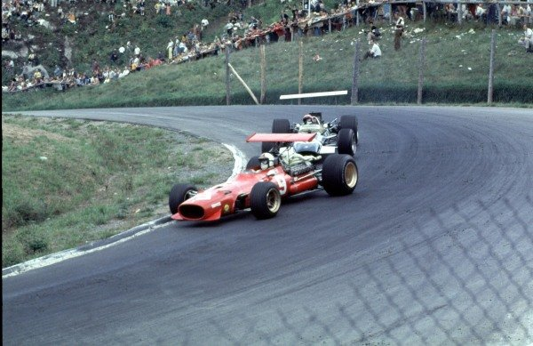 1968 Canadian Grand Prix.Mont-Tremblant, (St. Jovite), Quebec, Canada.20-22 September 1968.Chris Amon (Ferrari 312) leads Jo Siffert (Lotus 49B Ford).Ref-68 CAN 62.World Copyright - LAT Photographic